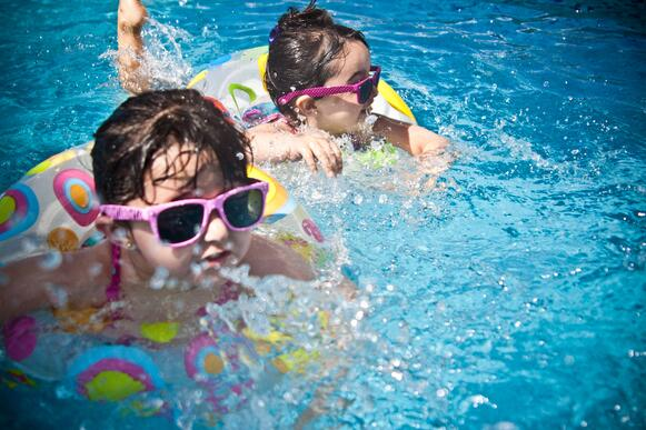 family-friendly-activities-in-central-florida-neighborhood-bellalago-kids-swimming-pool